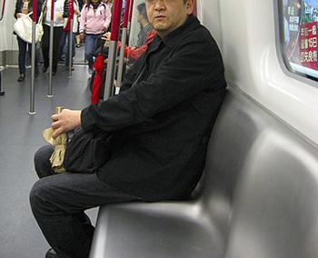 2010香港地鉄座席.jpg