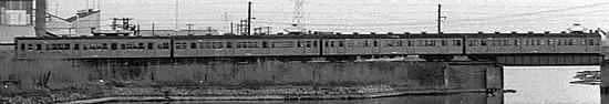 富山港線トリミング01R.jpg