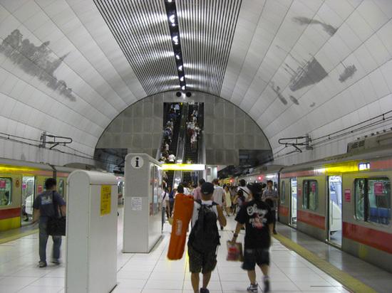 中華街02駅.jpg
