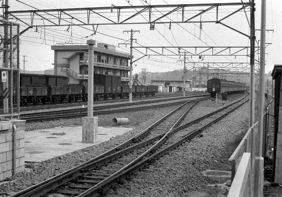 根岸線1964-06.jpg
