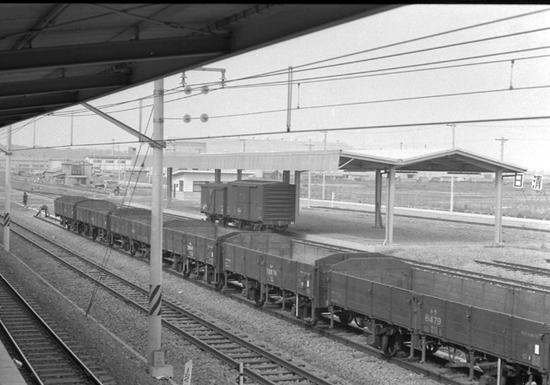 根岸線1964-07.jpg